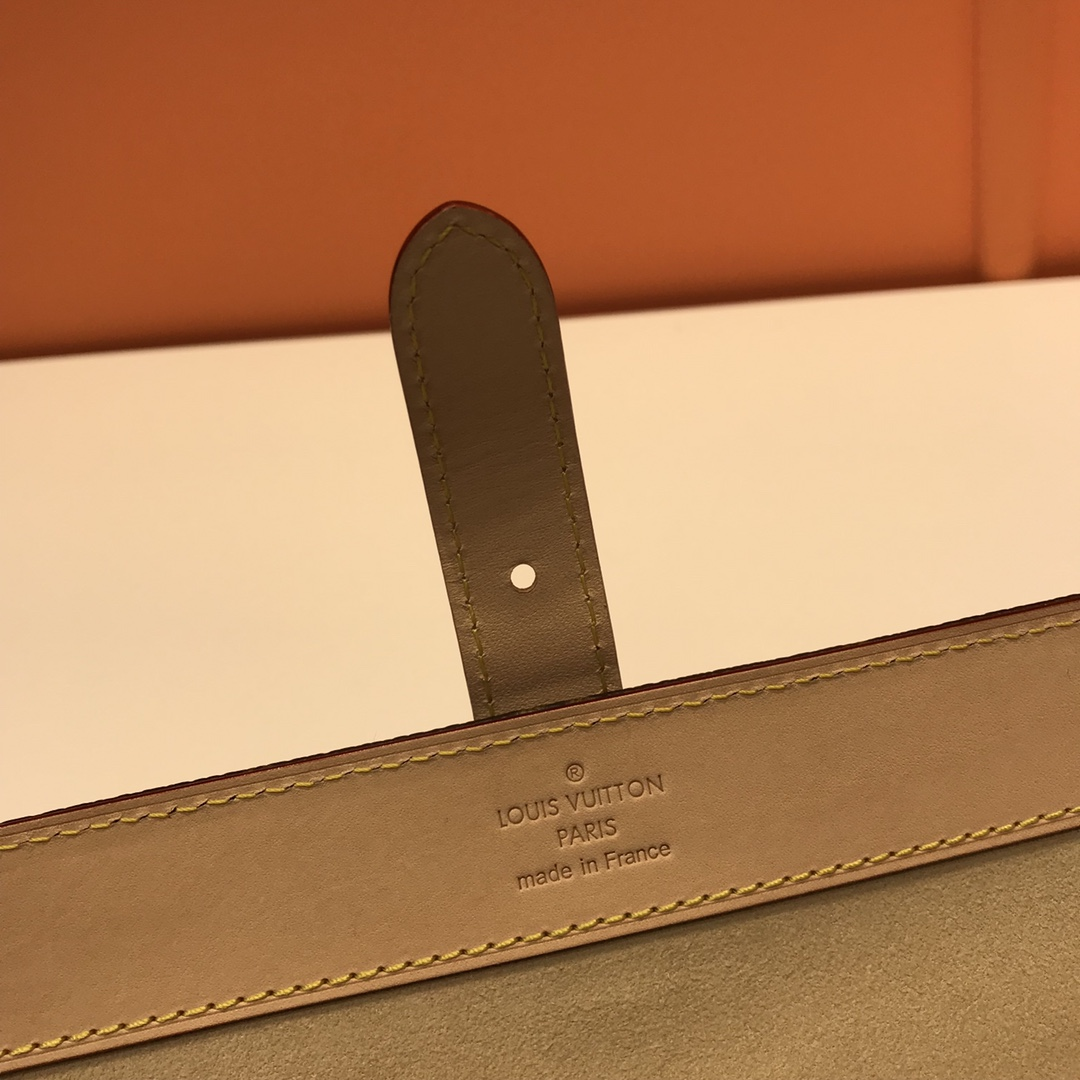 【¥530】LV旅行装手表盒47530 小小个是旅行的最佳首选 时尚实用