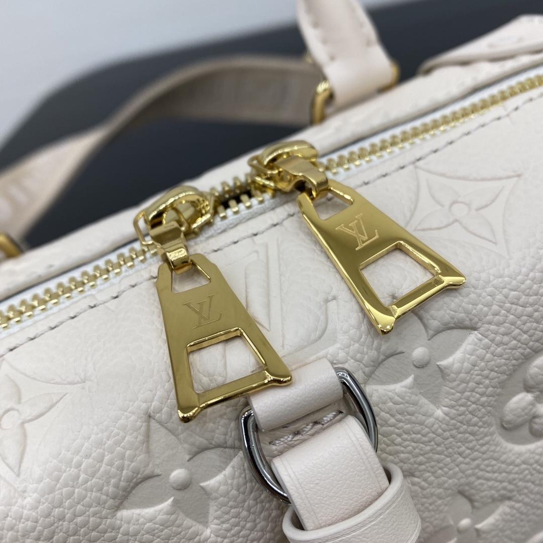 【¥1200】路易威登官网 早秋新款盒子包20518 进口小牛皮皮质柔软 长肩带可调节