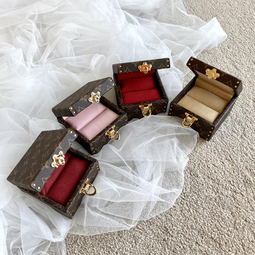 【¥530】LV精美戒指盒21010 爆款热卖 爱不释手