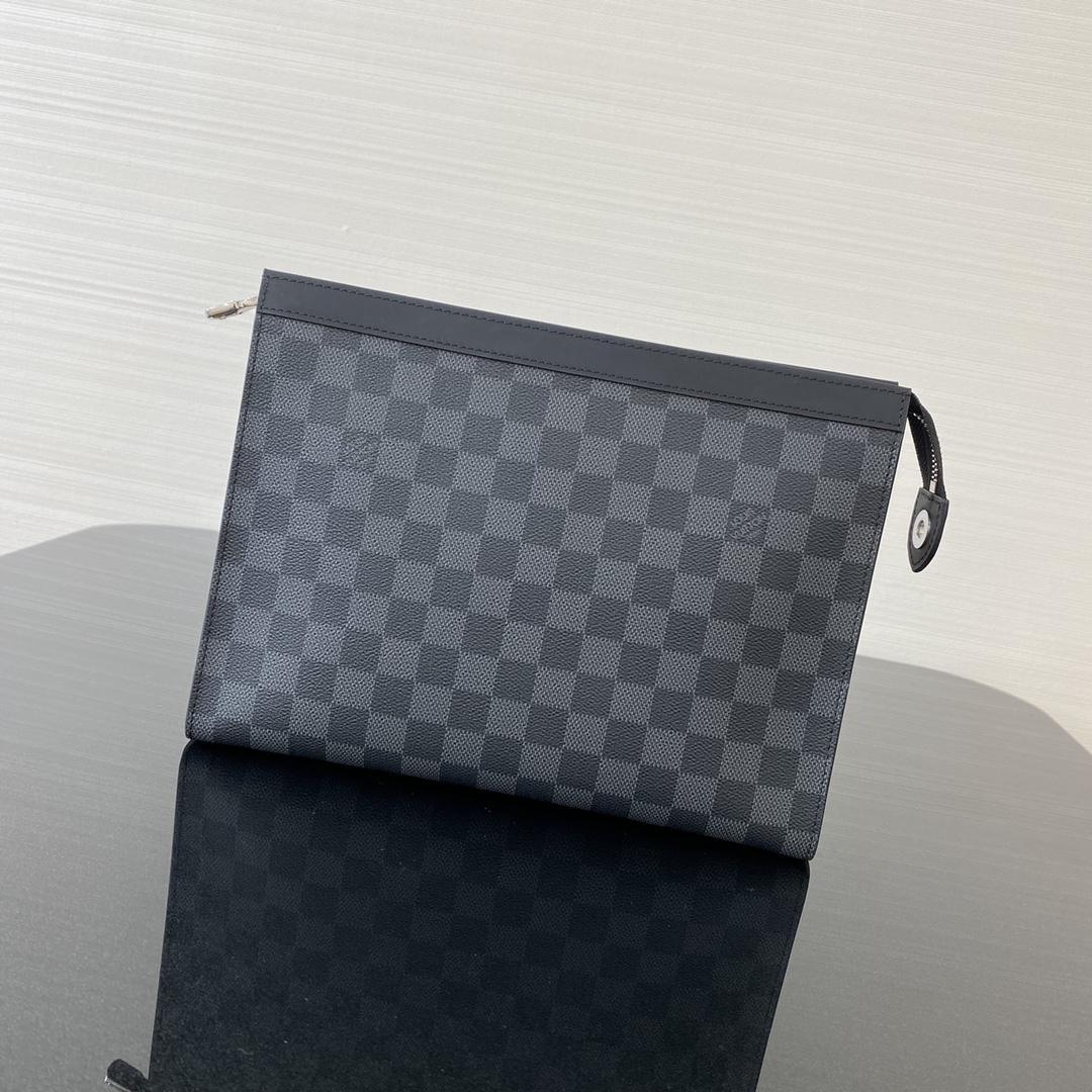 【¥630】经典男款手包69535 低调奢华 可轻松收纳个人必备物品 不落伍不过时