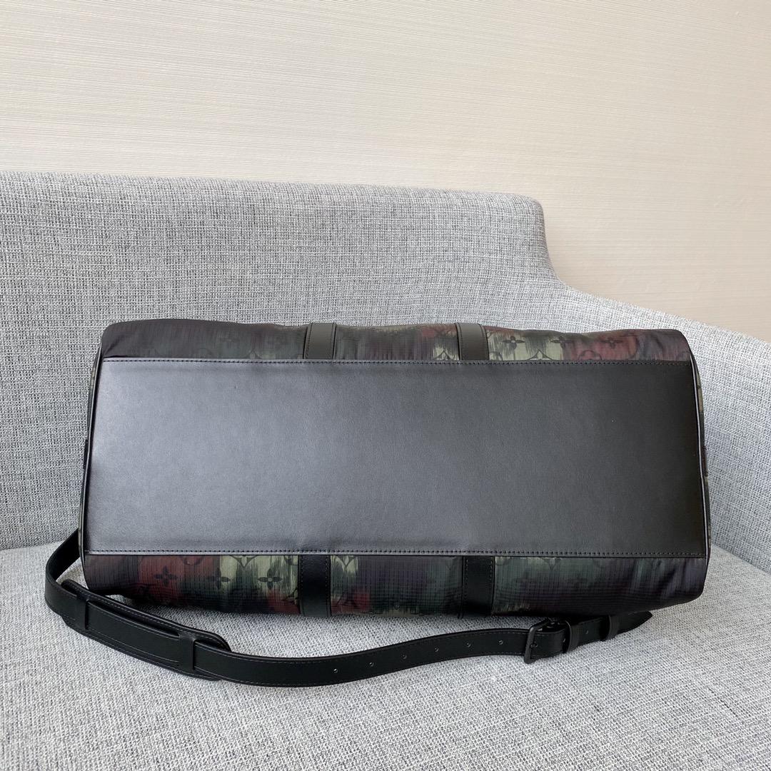 【¥1620】LV迷彩系列旅行袋56416 男神们无法抗拒的元素 进口尼龙材质