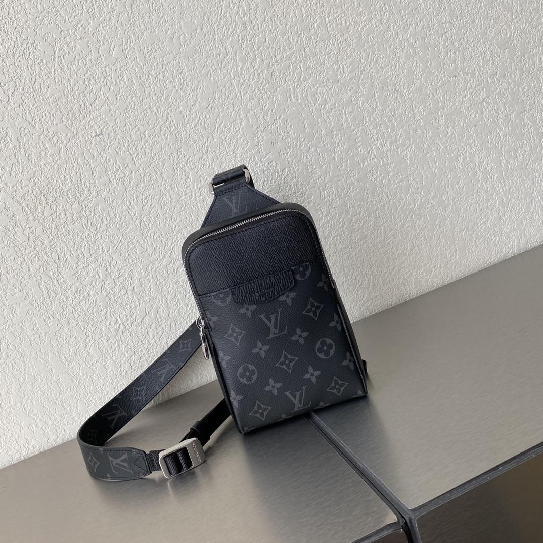 【¥750】LV最新Outdoor单肩包30741 可调节肩带 时尚单品必备
