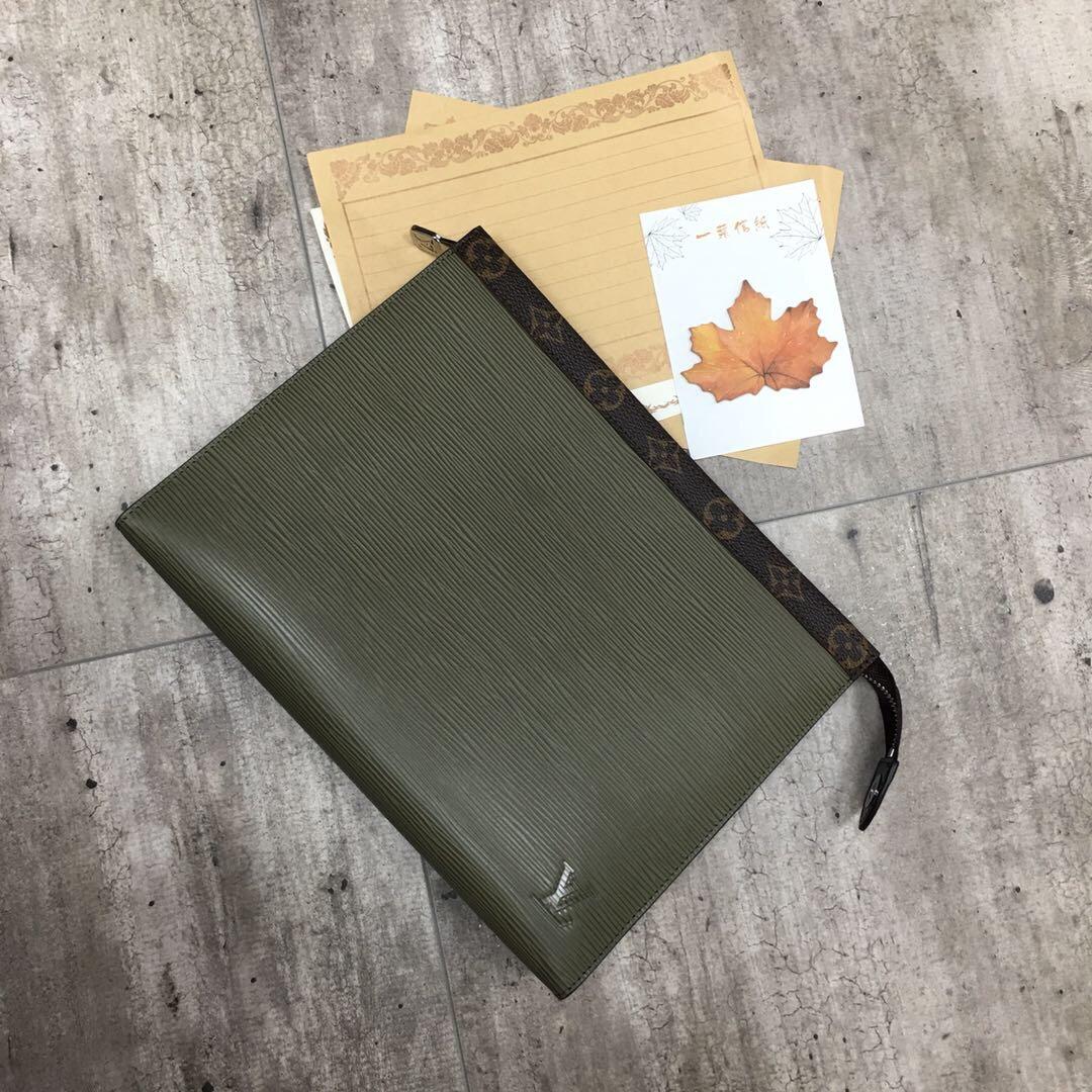 【¥830】经典男款手包61669 低调奢华 可轻松收纳个人必备物品 不落伍不过时