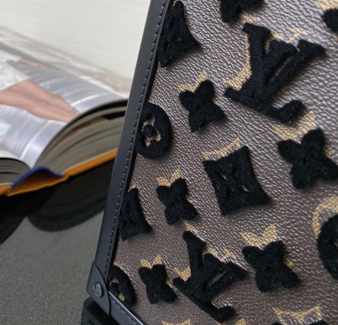 【¥1180】LV植绒系列砖块包45044 经典Monogram+丝绒绣花