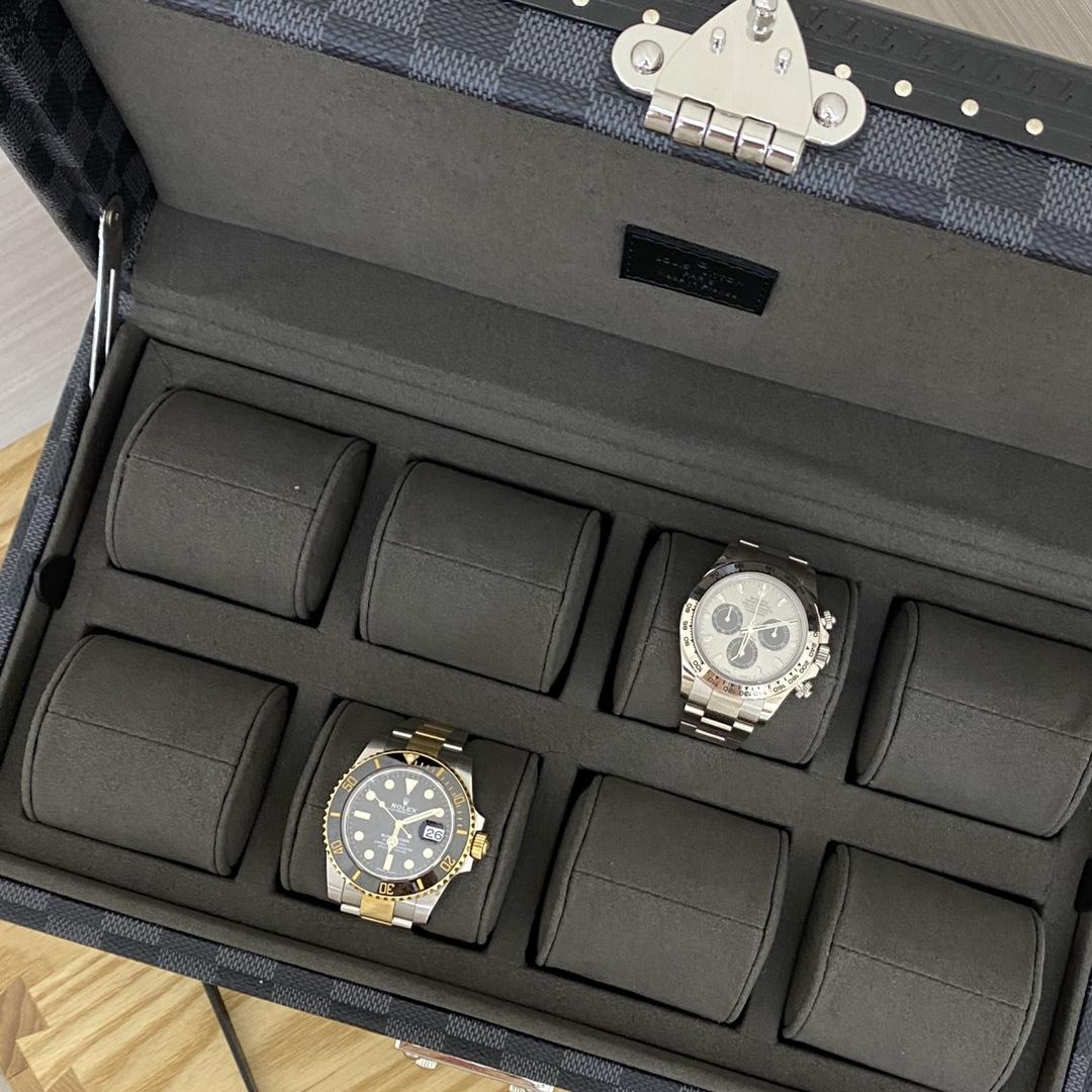 【¥2400】LV表盒表箱黑格/白呖色五金40664 超实用的表盒 装满表之后的样子更加迷人