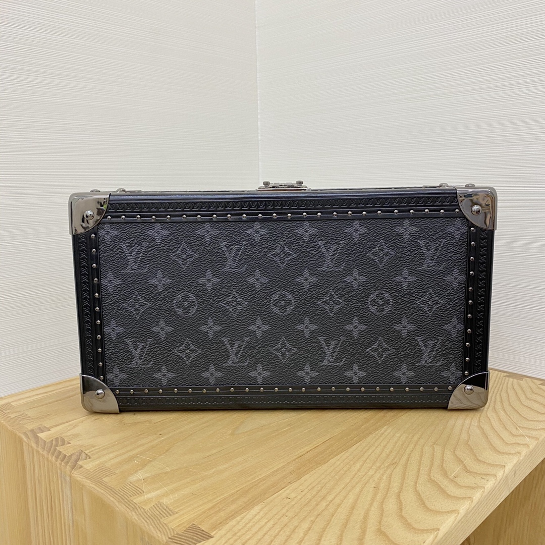 【¥2400】LV表盒表箱黑花/白枪色五金40664 超实用的表盒 装满表之后的样子更加迷人