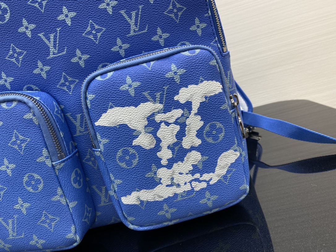 【¥1280】LV蓝天白云系列背包43850 美出天际的一季 蓝天白云 晴空往里
