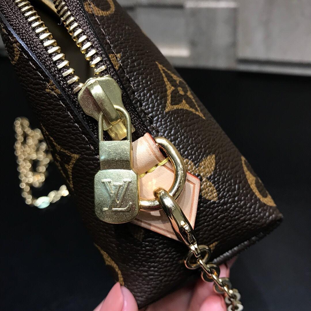 【¥470】LV女神最爱化妆包小号47355 圆润的外形万分讨喜 手包斜挎随意切换