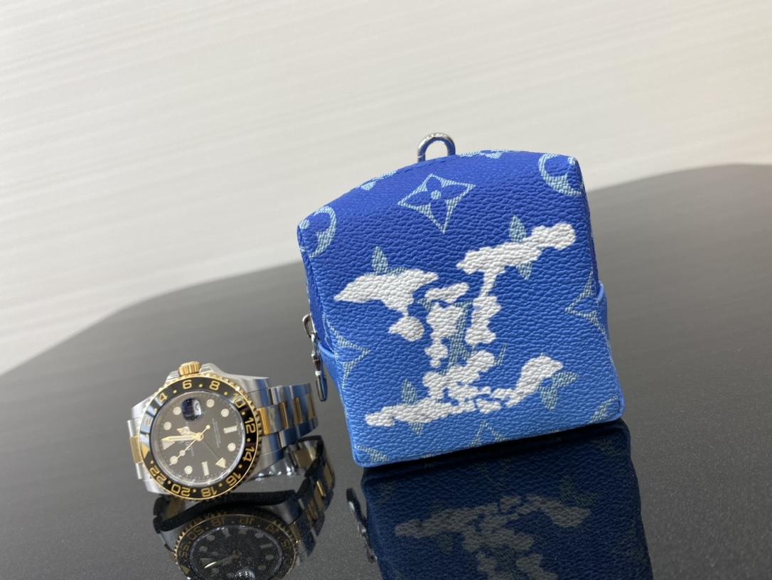 【¥370】LV蓝天白云系列小挂包30417 美出天际的一季 蓝天白云晴空往里