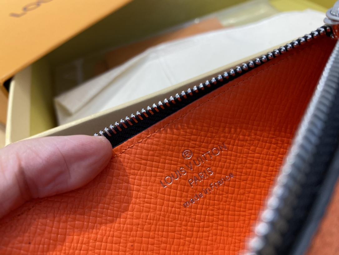 【¥420】LV夏日男士卡包43841 新色帅出新高度 出行必备