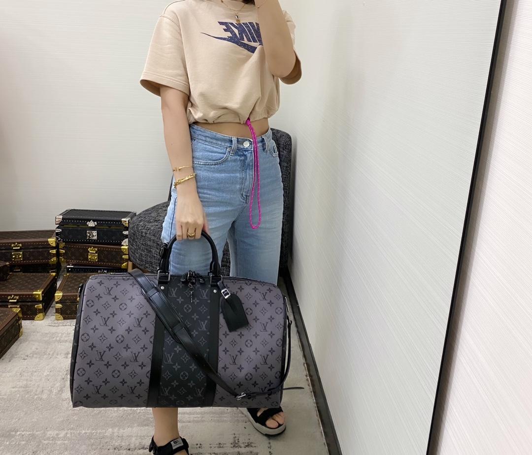 【¥1320】LV旅行袋新色45392 男女生都可驾驭 黑灰色老花拼接太帅了