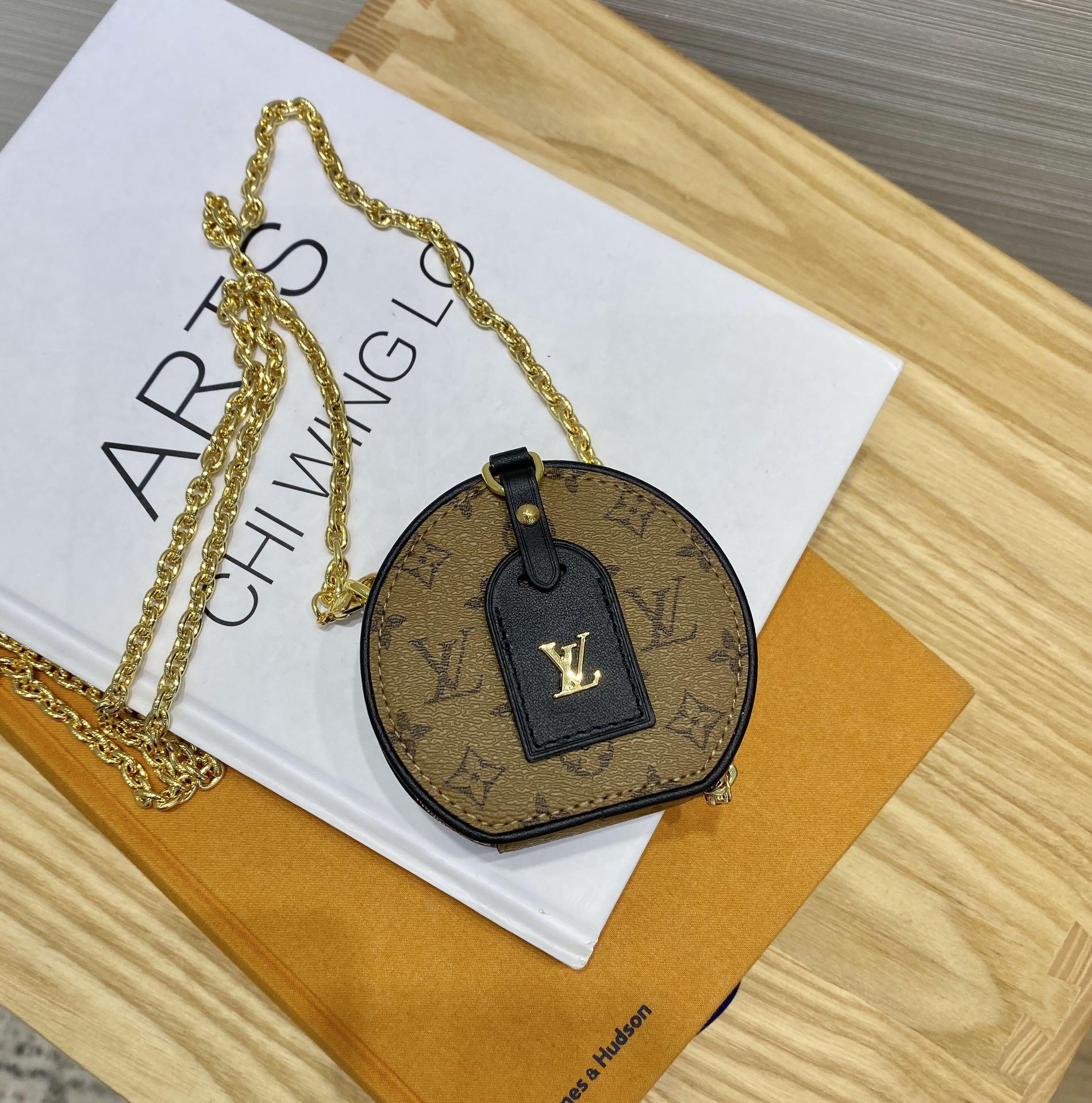【¥680】驴家mini项链圆饼43522 可爱的小包 小巧精致