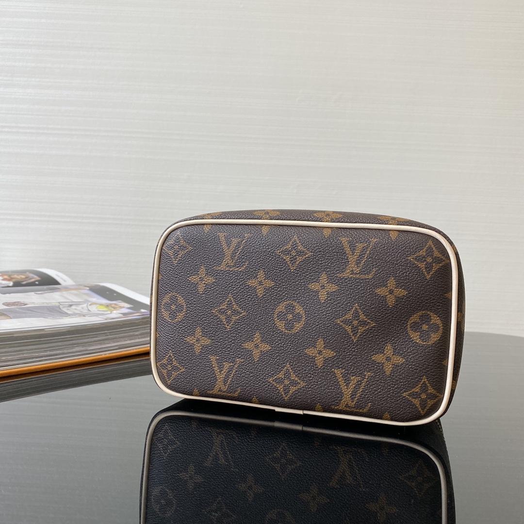 【¥720】LV化妆包小号42263 可以拎着出街的化妆箱 可搭配各种肩带或丝巾