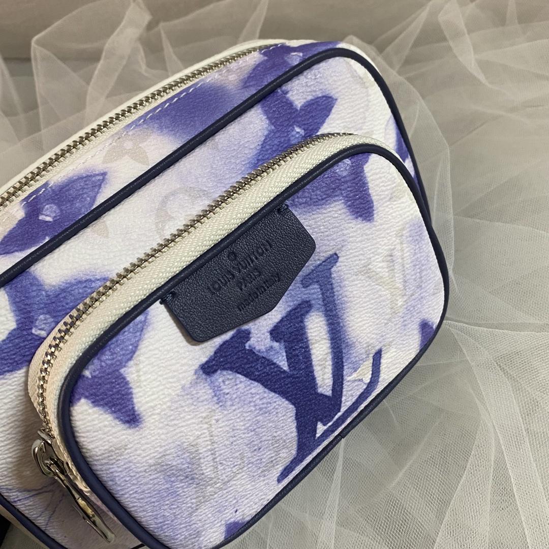 【¥880】LV最新水彩系列挎包45763 蓝白配色清澈又治愈