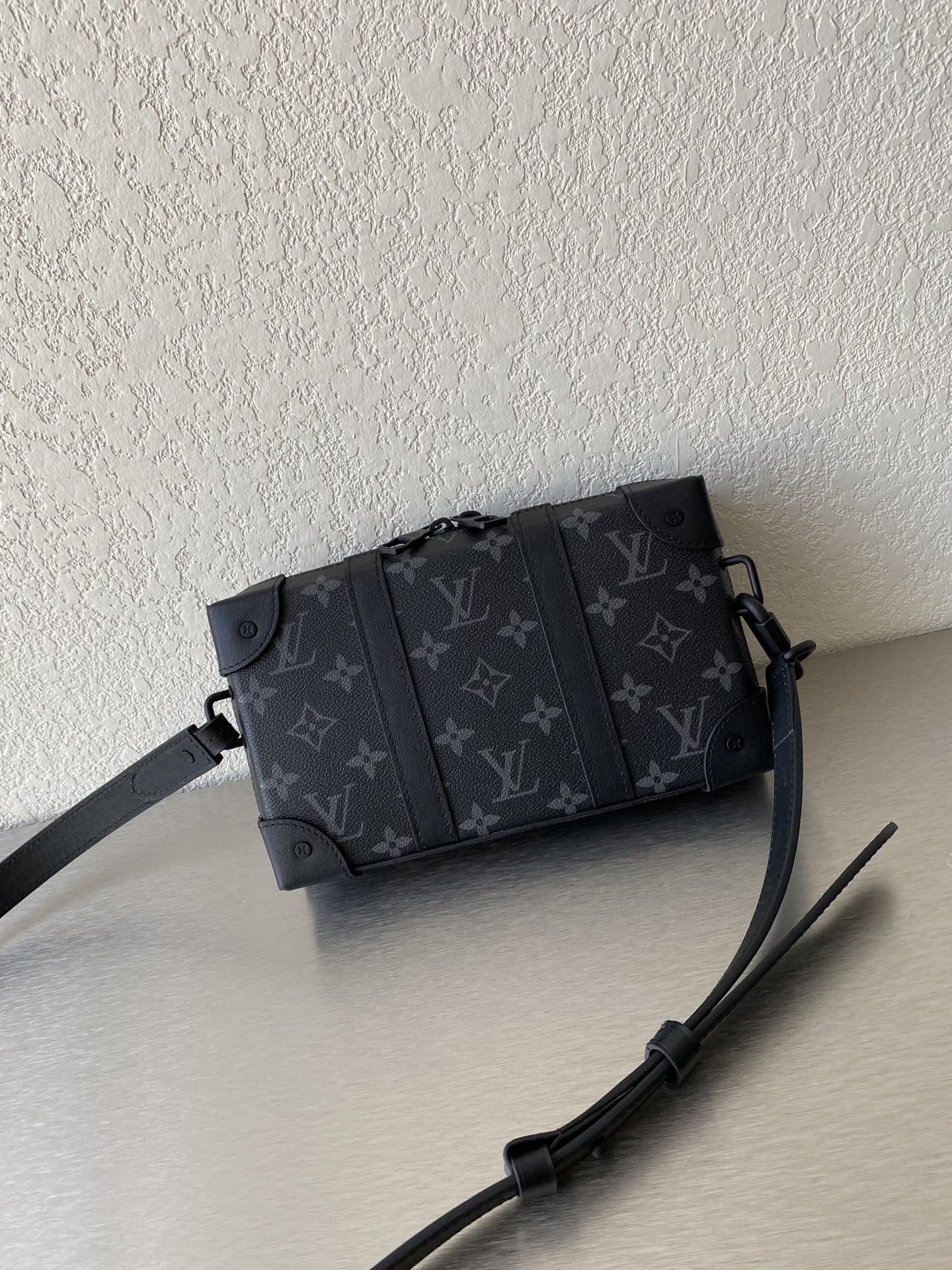 【¥950】LV秋冬秀场新款相机包44438 低调奢华有内涵