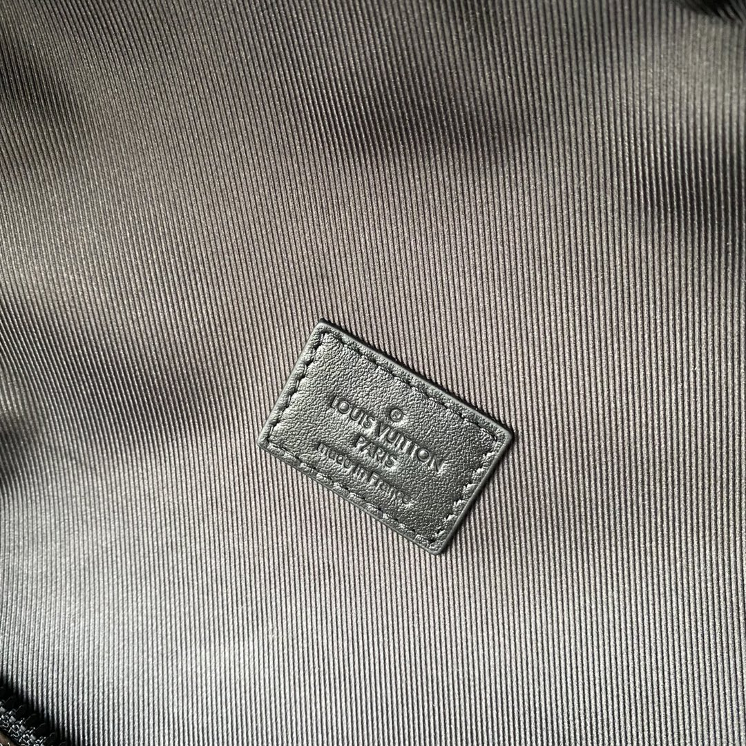 【¥1350】LV早秋系列CRUISER双肩包57965 卡通设计的斜纹字母LOGO 经典老花超级抢眼