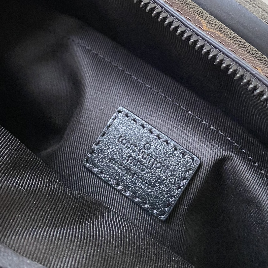 【¥1280】驴家新款S Lock系列邮差包45863 经典Monogram帆布和Taurillon压纹牛皮