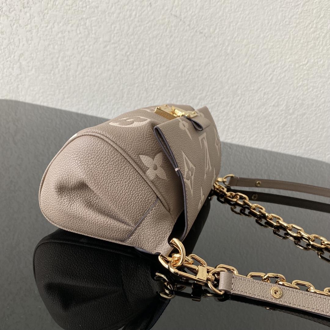 【¥1350】LV秋冬新品挎包45836 经典老花压纹皮革搭配金属链条 时尚感Up 轻便实用