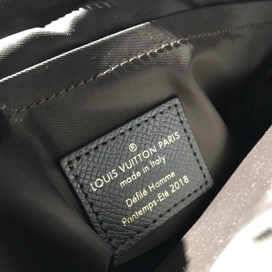 【¥1150】LV最新 Taigarama系列43843 结合了品牌经典的taiga皮质和Monogram帆布 黑色