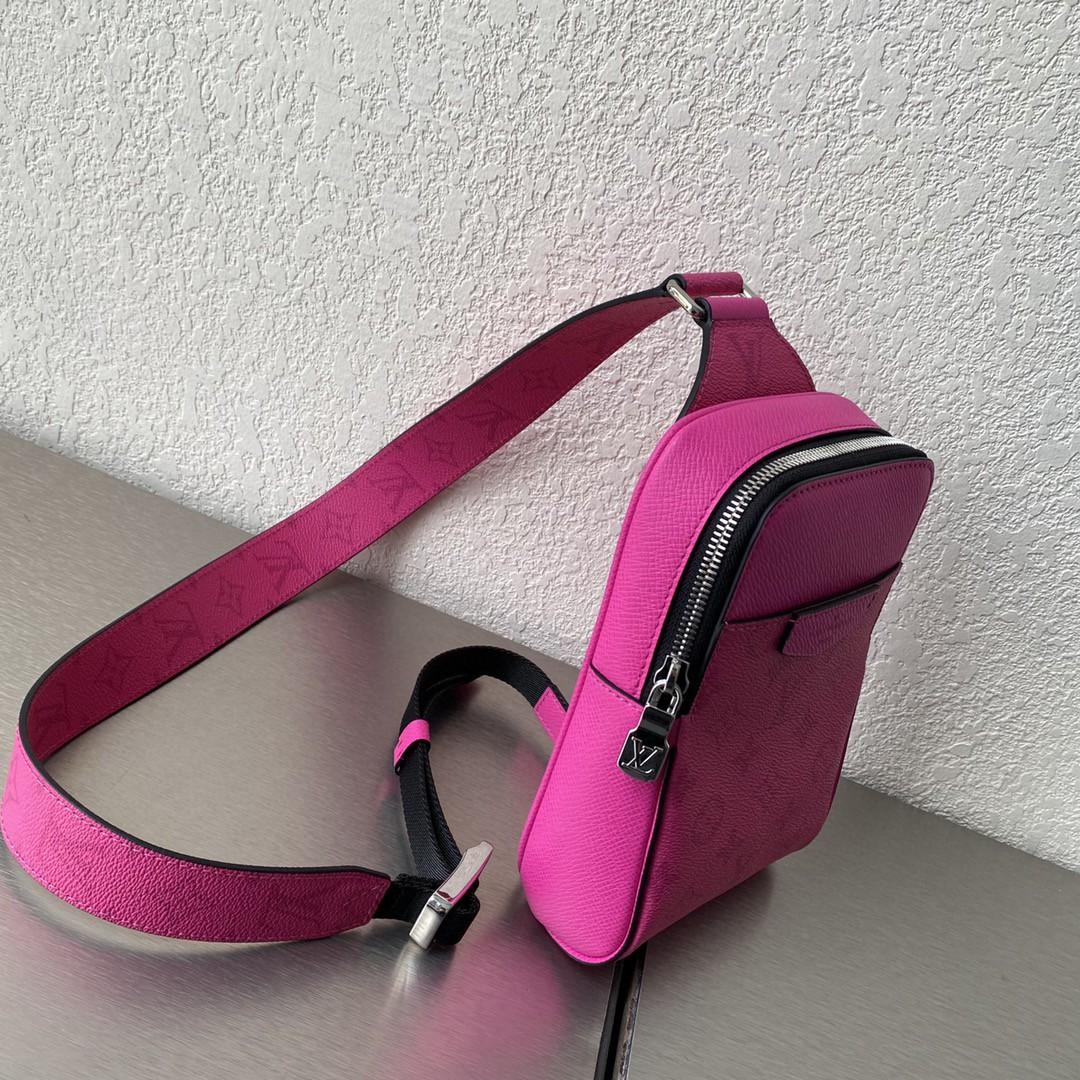 【¥750】最新Outdoor单肩包 可调节肩带 大小恰宜容纳随行所需 时尚单品必备 13.5×5×21cm 30741