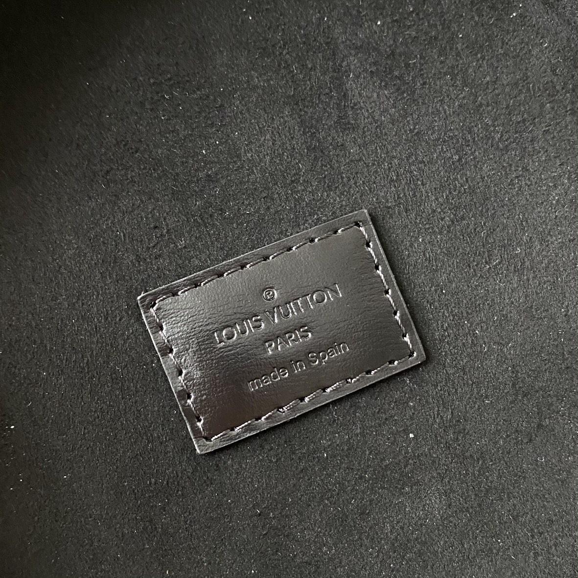 【¥1130】【圆桶包】 自重不重,很轻便,而且超级能装 尺寸:16×14.5×16cm62788 发财桶