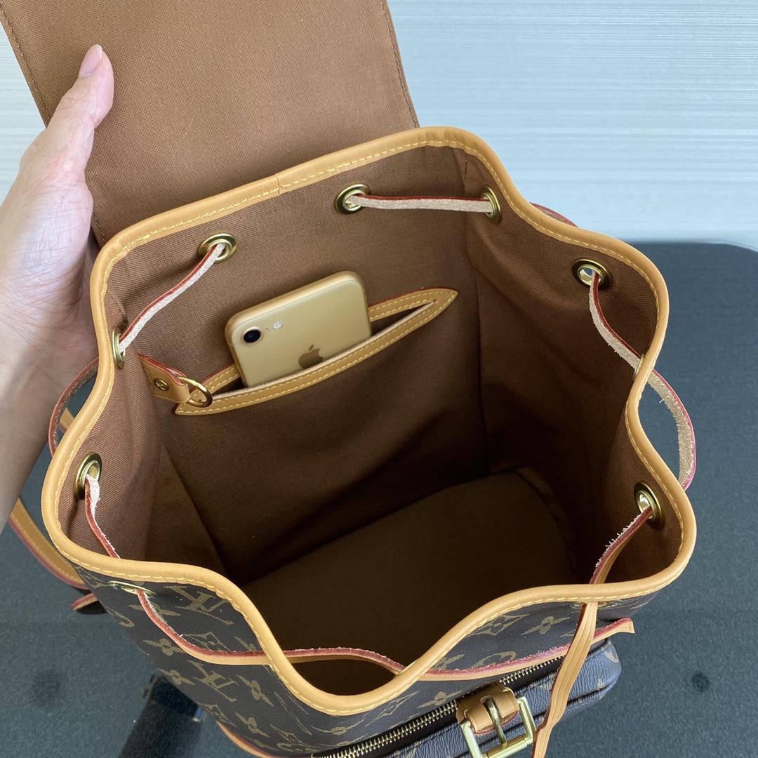 【¥1320】【中古老花款】[背包] 中古包都是非常经典的包包 款式特别 25×12×31cm41979