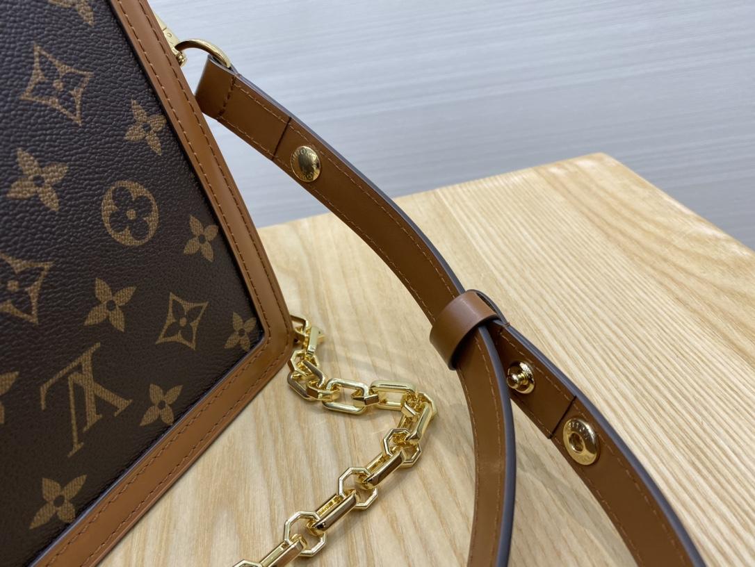 【¥1320】【达芙妮邮差包】25cm 休闲装正装随意切换 进口皮配驴牌老花 原装五金