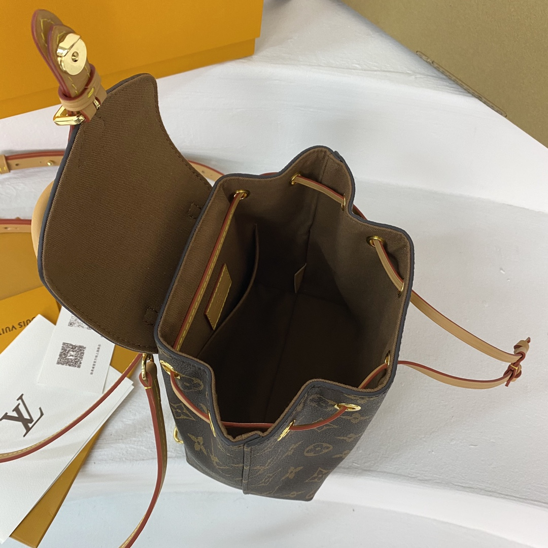 【¥1050/1130】新版背包 又是一个小可爱 换季首选 MontsourisBB背包 小号 :长17 宽10 高20 45502 大号:长23宽15.5高27 45515
