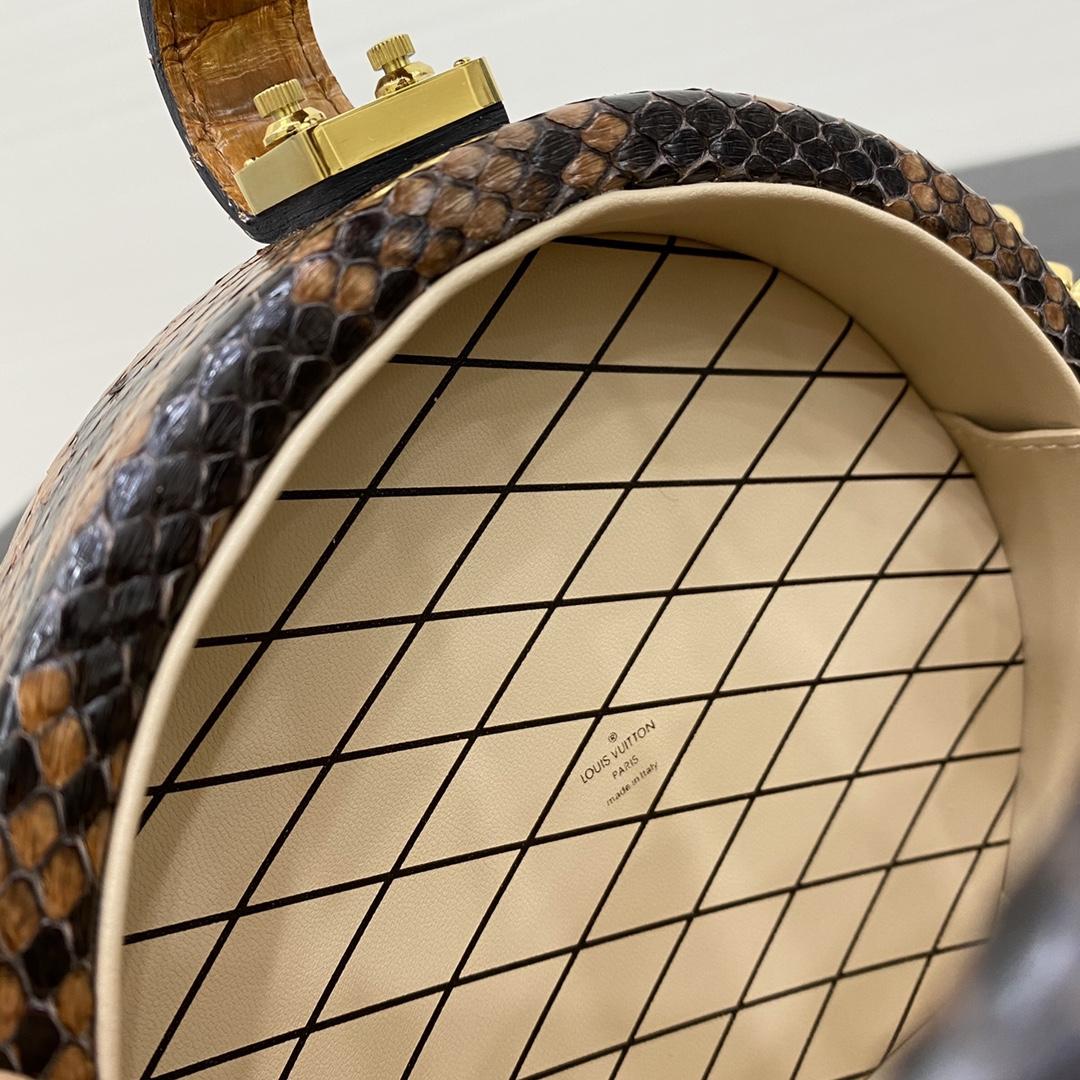 【¥3000】【帽箱包】[全钢五金] 以帽盒为灵感而来的一款非常独特包款 箱子包买驴家的就对了 18×8×16.5cm43516