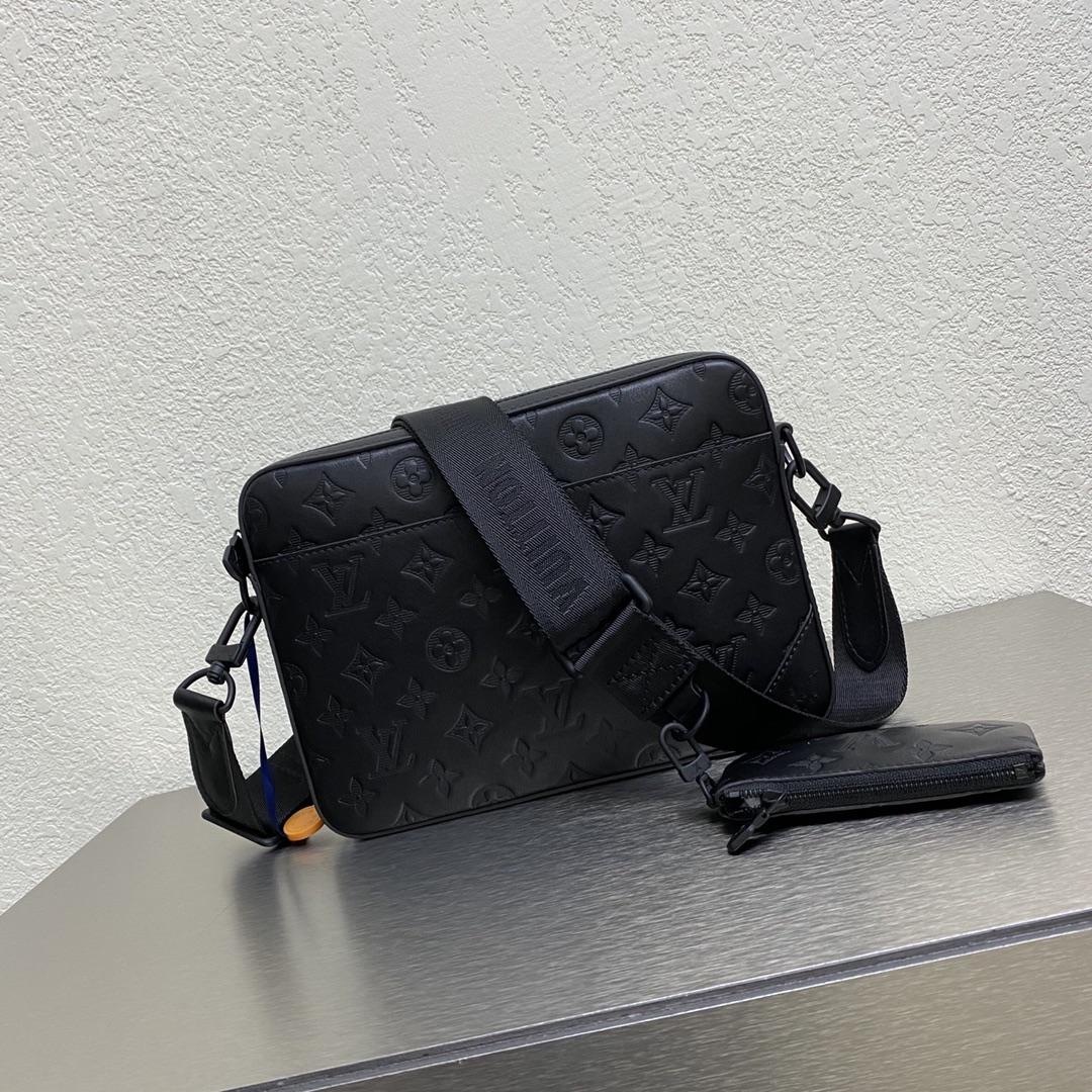 【¥1280】两件套男款 男款又出二合一啦,全黑压花太帅了 小包:12×7cm 大包:26×5×18cm 款号:69443