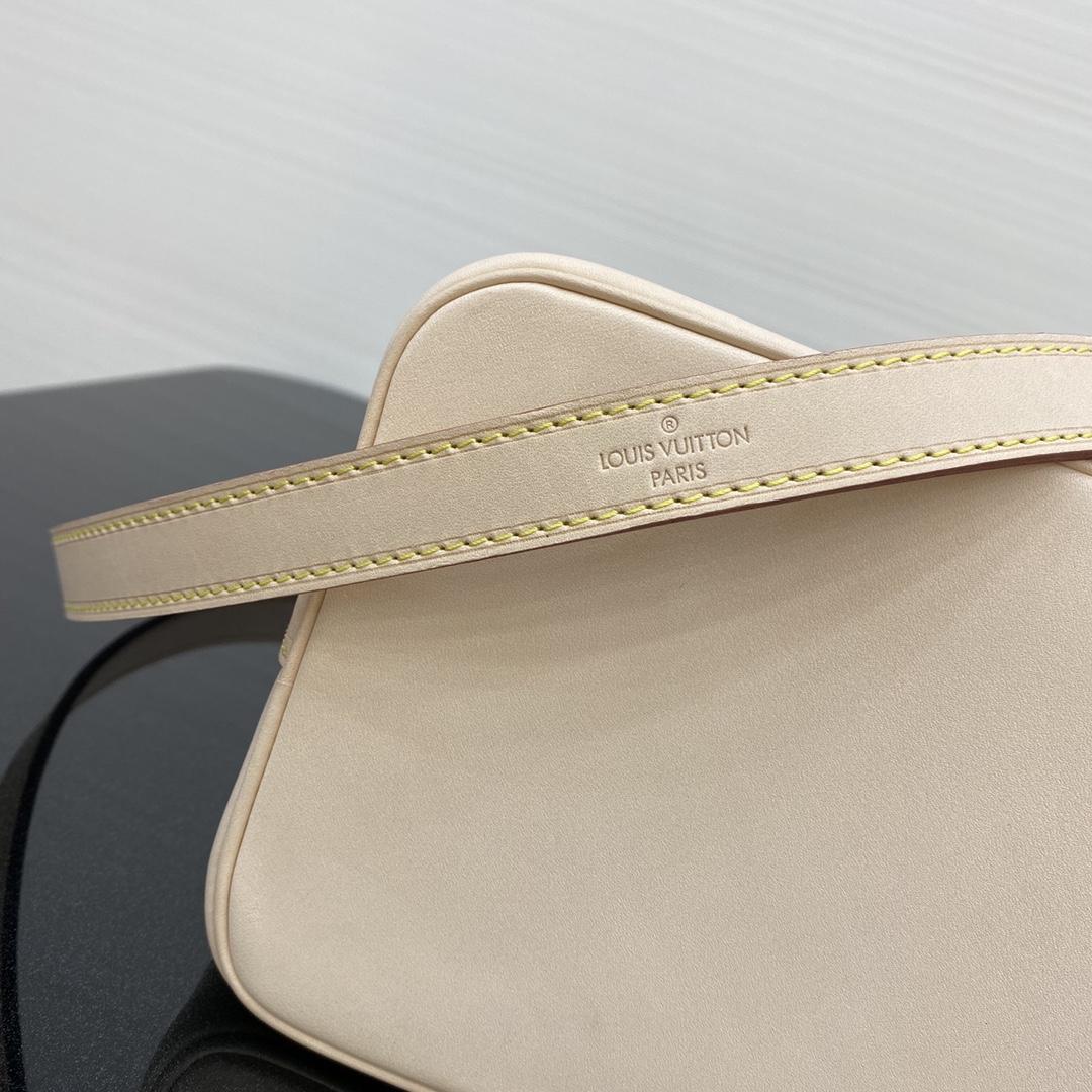 【¥900】【中古老花款】[水桶包] 中古包都是非常经典的包包 21×14×24cm43150